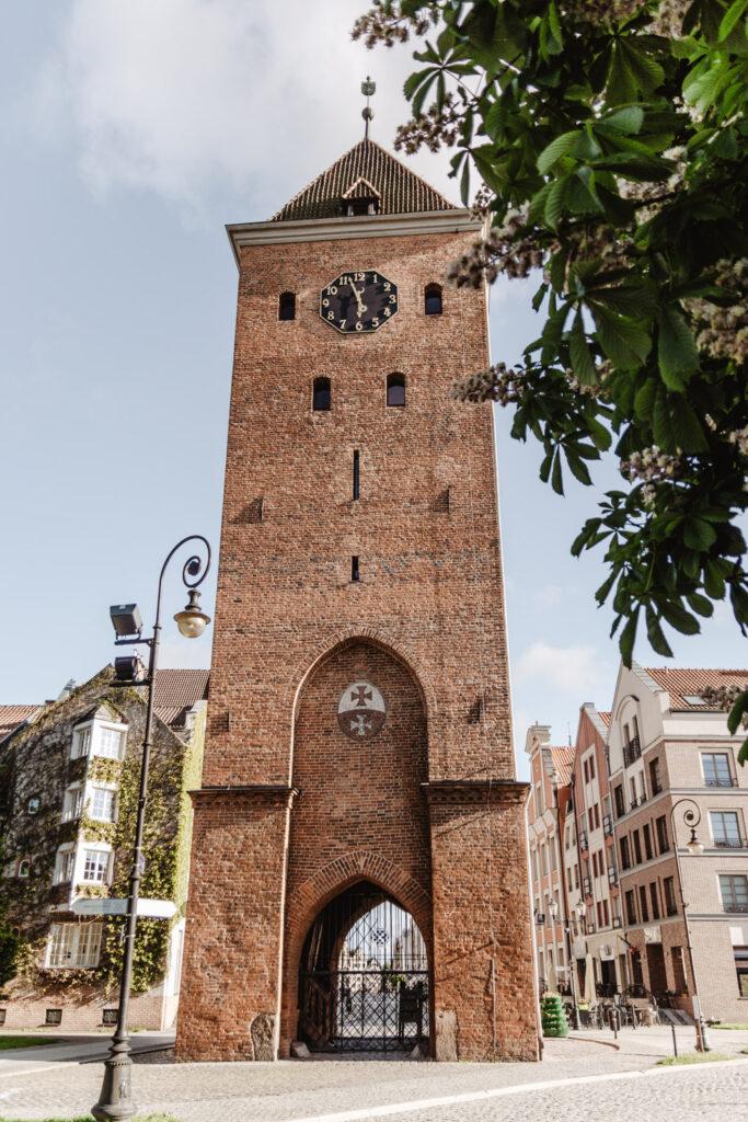 Brama Targowa w Elblągu, zegar