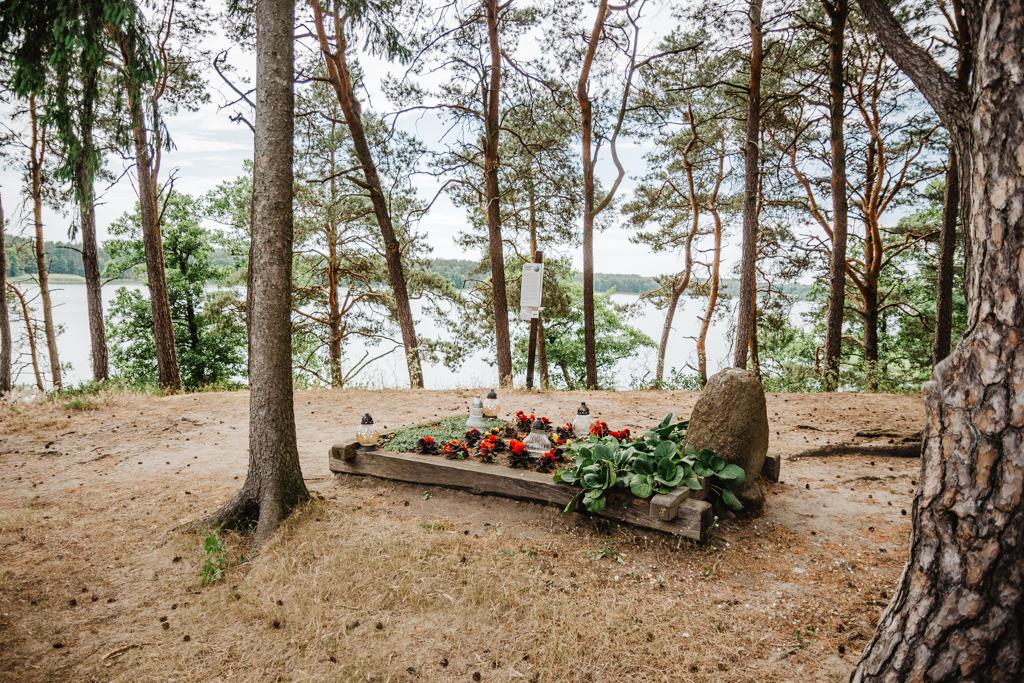 Kaszubski Park Etnograficzny we Wdzydzach Kiszewskich. Grób Gulgowskich