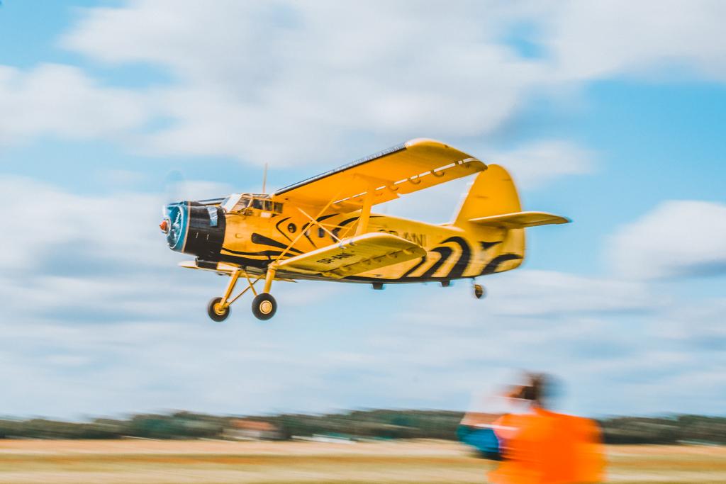 Aeroklub Gdański w Pruszczu Gdańskim. Skok ze spadochronem